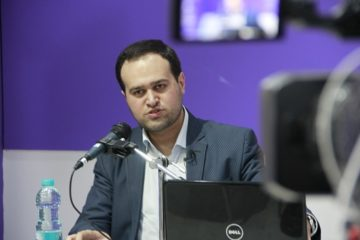 خبرنگاران باید حسینی و زینبی باشند/ نباید در فضای مجازی غرق شد