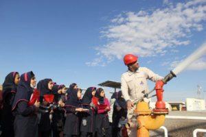بازدید ۹۵ دانش آموز از مرکز انتقال نفت رفسنجان+ عکس